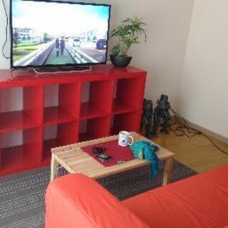 【無料】IKEAの赤い棚(KALLAX カラックス)お譲りします。