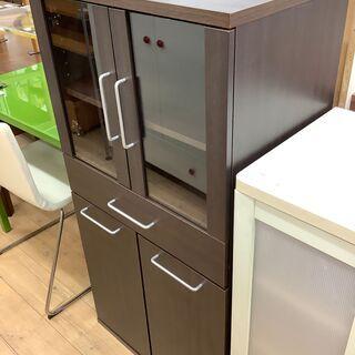 コンパクトタイプでしっかり収納できる食器棚のご紹介です!