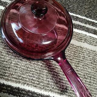 耐熱ガラスの鍋