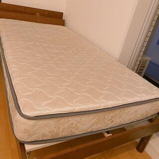【ネット決済】新品ベッド、ワンコイン百円でお譲りします(マットレ...