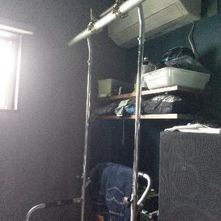 チンニングスタンド(ぶら下がり健康器)懸垂台