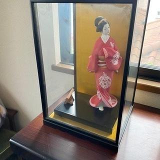 ガラスケース付き 日本人形