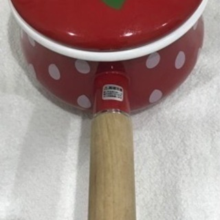 いちご柄の鍋