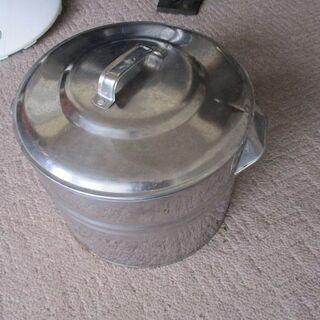 なつかしの蒸発皿 湯沸かし器兼用