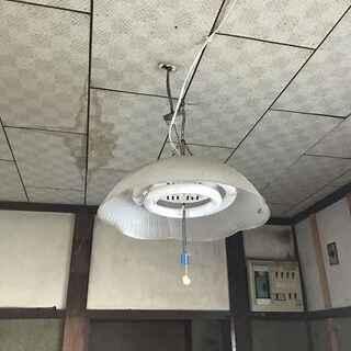 蛍光灯 ペンダント 汚れてます 改造されているかも 1F納戸