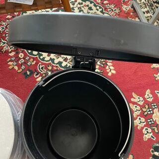 足踏みペダル付 ごみ箱2点 直径25cm 高さ 40cm金属製