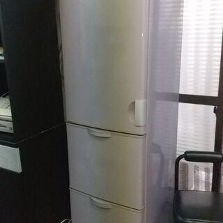 年代物の冷蔵庫(1995年製造)
