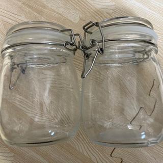 少し大きめの密閉瓶容器2個セット アレンジ次第でオシャレに…