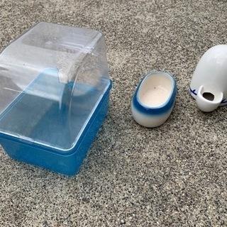 小鳥、小動物用 砂浴びケース、水入れ、餌皿