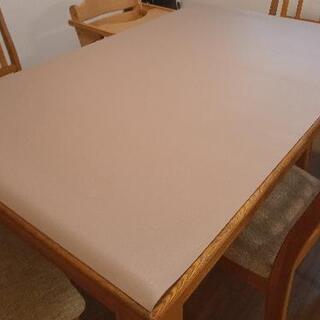 両面使えるテーブルクロス 厚さ2ミリ