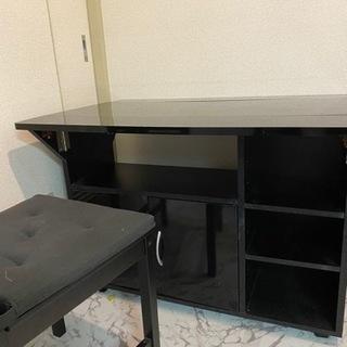 キッチンバタフライカウンターと椅子