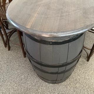 バルで使っていた樽テーブル