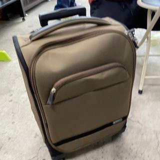 1022-029 スーツケース 鍵あり