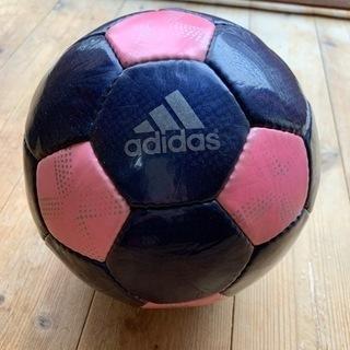 サッカーボール  adidas アディダス室内使用