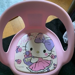 子供用の椅子になります。