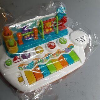 幼児のおもちゃピアノ