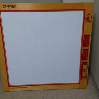 お絵かきホワイトボード(102cm×104cm)