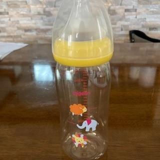 【中古】ピジョンプラスチック製哺乳瓶240ml(乳首3ヵ月用)
