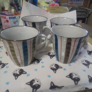陶器のマグカップ 4個 セットで。