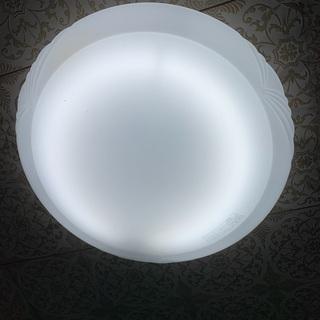 シーリングライト(8畳用)、まだ使用可能な蛍光灯付き