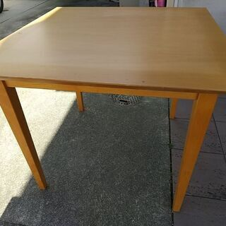 真四角テーブル