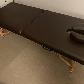 折りたたみ式施術ベッド