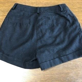 ハニーズ シンプル黒ショートパンツ Mサイズ