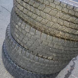 スタッドレスタイヤ4本セット(履きつぶし)