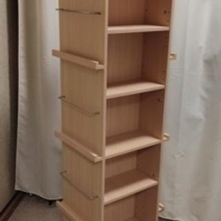 取りに来られる方、回転式本棚差し上げます。