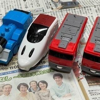 マクドのおもちゃ 電車 トーマス 新幹線