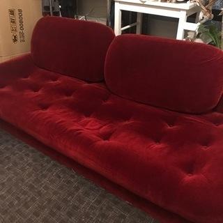 赤いソファー 3人がけ