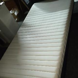 ベッドとマットレス フランスベッド