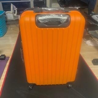 スーツケースオレンジ未使用品です