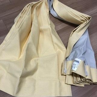 ニトリ 黄色 カーテン 遮光 形状記憶 白レースカーテンと…