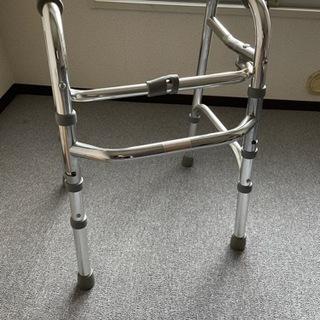 歩行器 高さ調節可能