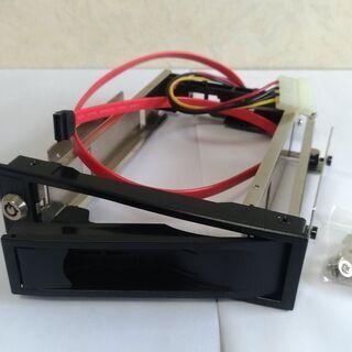 3.5インチSATA HDDケース(5インチベイ取付、内蔵)