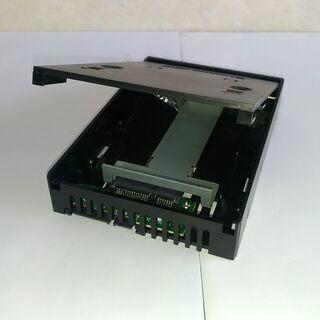 2.5-3.5インチSATA HDD/SSDコンバーター