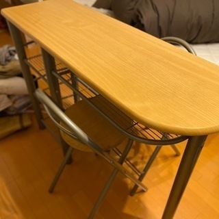 値下げしました!急募⭐️カウンター机⭐️折り畳み式椅子の3…