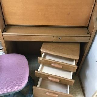 子供用デスクと椅子のセット