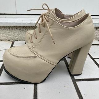 厚底ホワイト靴白 24センチ