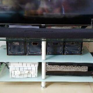 【ネット決済】ガラス板のテレビ台をお譲りします【中古品】