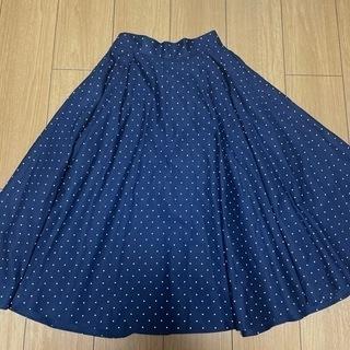 UNIQLOのドット柄スカート