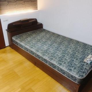 セミダブルベッド差し上げます。