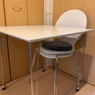 お値下げ相談可:ダイニングテーブル椅子2脚セット!