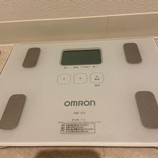 体重計 OMRON