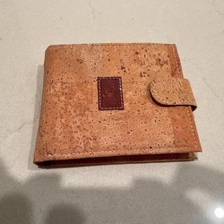 ポルトガル製のコルク財布