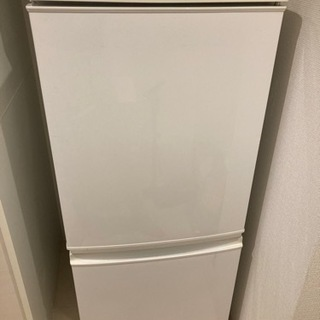 2015年製シャープ冷蔵庫!137L格安で譲ります!