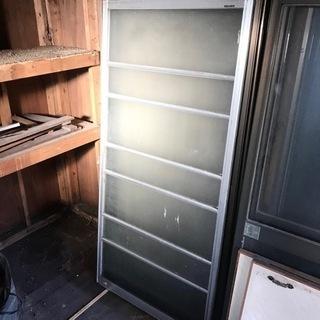 アルミサッシ 引戸 トーヨーサッシ 型板ガラス シルバー  建具...