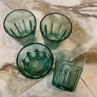 グリーンのグラス4つセット