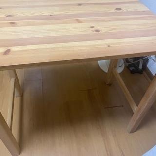 折りたたみテーブル 木の棚(目隠しカーテン付き)